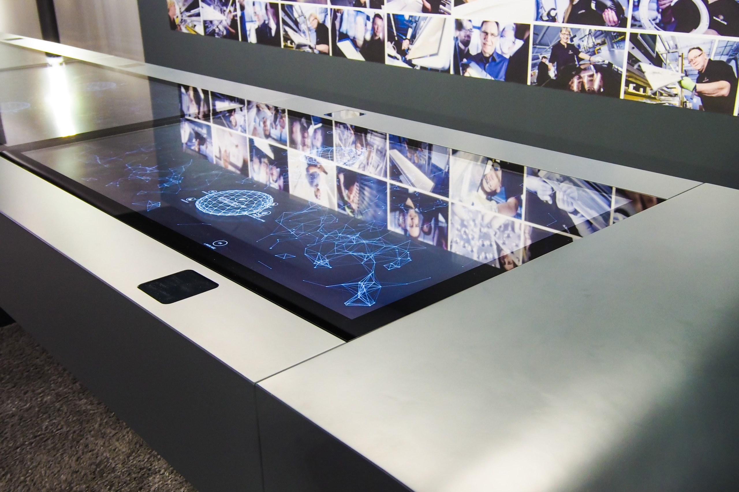 trilux unity multitouch table close up